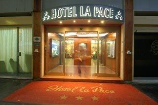 179 g stebewertungen hotel la pace kundenbewertungen hotel la pace pisa. Black Bedroom Furniture Sets. Home Design Ideas