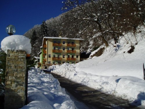Hotel vittoria dimaro trento prenota subito for Subito it trento arredamento