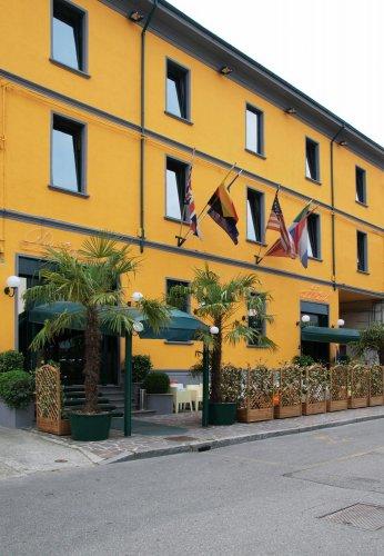 Petit hotel piacenza reserva ahora for Hotel piacenza milano
