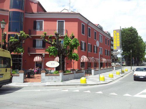 acqui terme buddhist dating site Buddhist passions gives people who are part of the buddhist community a place to find one another you are welcome to use buddhist passions solely as a dating site, since it has all the major features found on mainstream dating sites (eg photo personals, groups, chat, webcam video, email, forums, etc.