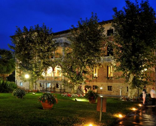 Park Hotel Villa Ariston - Lido Di Camaiore (Lucca) - Prenota Subito!