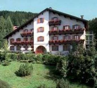 Fiocco vacanze hotel agostini serrada di folgaria for Subito it trento arredamento