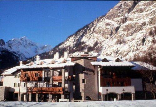 Hotel gran baita courmayeur aosta prenota subito - Hotel courmayeur con piscina ...