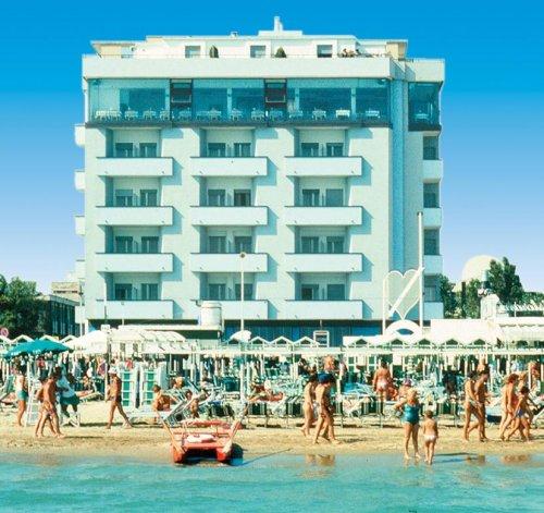Hotel Commodore - Riccione (Rimini) - Prenota Subito!
