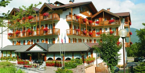 Hotel olisamir localit zeni trento prenota subito for Subito it trento arredamento