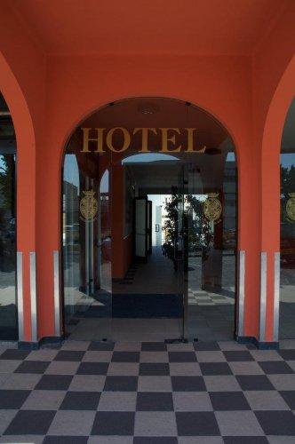 Hotel ducale porto mantovano mantova prenota subito - Porta mantovana ...