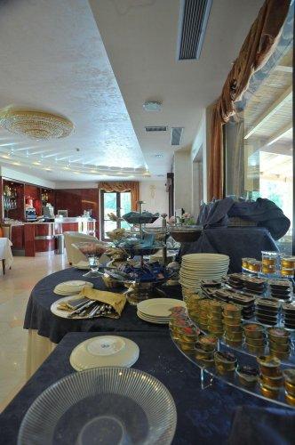 Villa sofia hc hotel viterbo prenota subito for Mobilia san salvatore