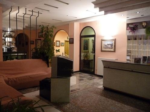 Hotel tropical ostuni brindisi r servez maintenant for Tropical hotel ostuni