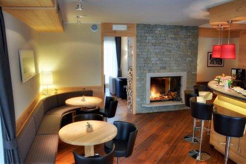 Hotel maribel madonna di campiglio trento prenota for Subito it trento arredamento