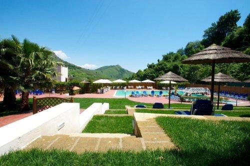 Agave hotel residence inn lago d 39 averno naples for Agave naples
