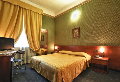 Hotel cervo milan book now for Hotel cervo milano