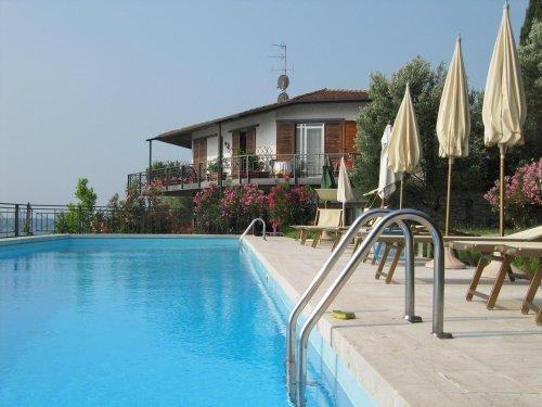 Villa cappellina toscolano maderno brescia prenota subito - Hotel giardino toscolano maderno ...