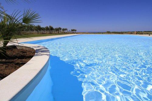 Country resort spa caponieddu santa caterina di - Piscina oristano ...