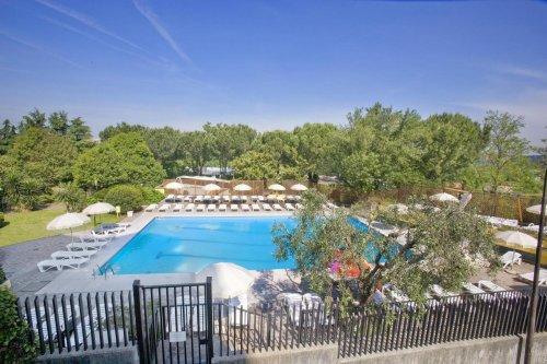 Hotel rouge et noir roma prenota subito - Hotel piscina roma ...