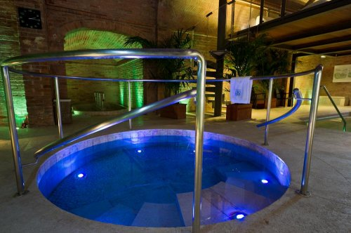Etruria resort natural spa montepulciano siena for Piscina jardin secreto