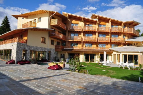 My vitalis hotel folgaria trento prenota subito - Hotel folgaria con piscina ...