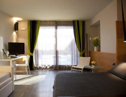 hotel zone roma prenota subito. Black Bedroom Furniture Sets. Home Design Ideas