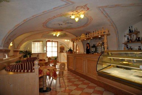 Hotel san lorenzo san lorenzo in banale trento for Subito it trento arredamento