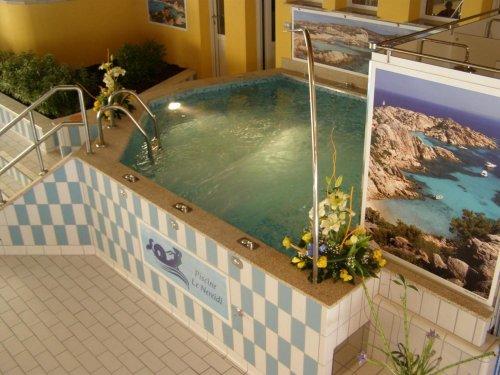 Hotel residence le nereidi padule olbia tempio for Piscine nereides