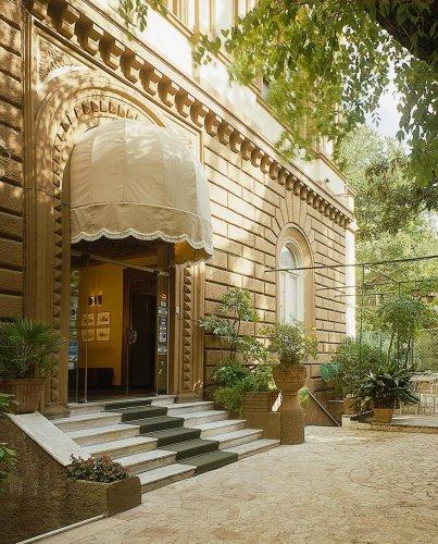Hotel villa delle rose roma prenota subito for Hotel mille rose roma