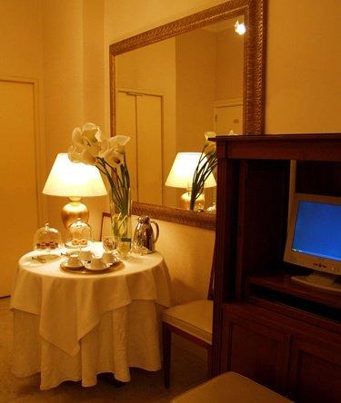 Angiolucci residence hotel catania prenota subito for Subito offerte lavoro catania
