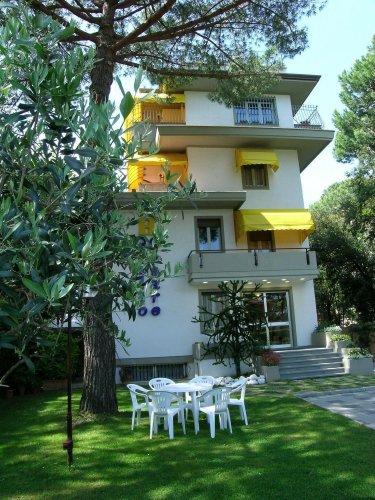 Hotel Giulio Cesare - Cinquale Di Montignoso (Massa-Carrara ...