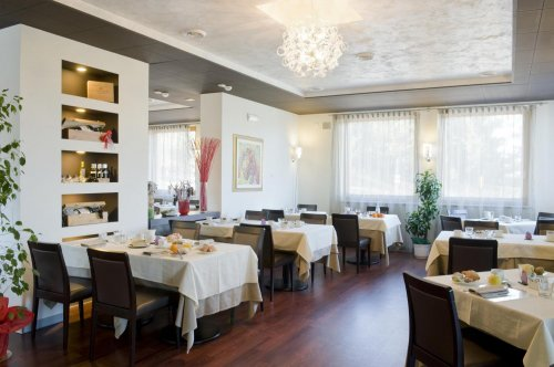 Hotel norge wellness resort trento prenota subito for Subito it trento arredamento