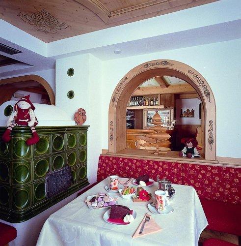 Hotel ai zirmes moena trento prenota subito for Subito it trento arredamento