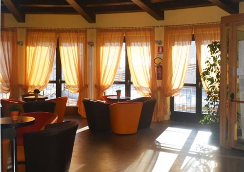 Dolomiti chalet family hotel monte bondone trento for Subito it trento arredamento