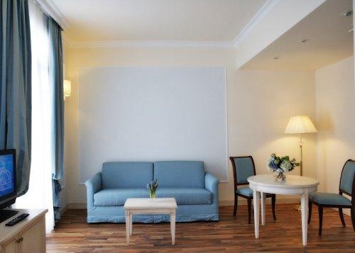Hotel italia palace lignano sabbiadoro udine prenota for Subito it arredamento udine