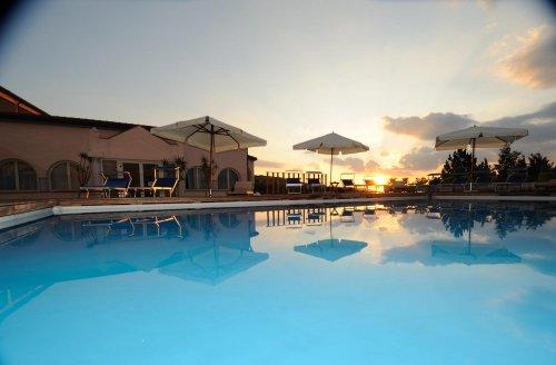 Hotel Amiata Con Piscina