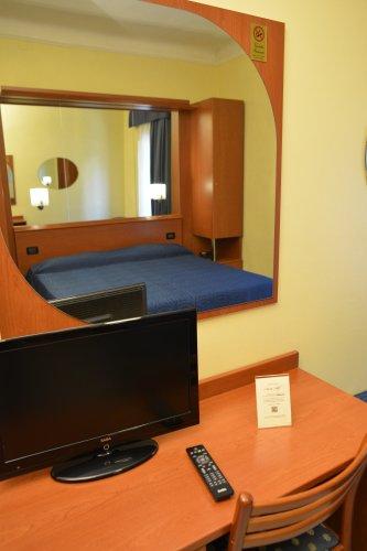 Hotel aurora milano prenota subito for Hotel aurora milano