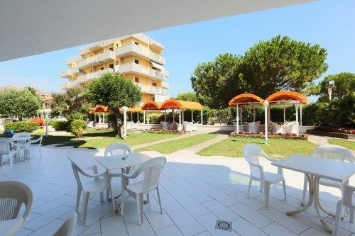 Family hotel marina beach lido adriano ravenna - Bagno marina beach lido adriano ...