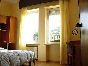 Porta rivera hostel l 39 aquila prenota subito - Porta rivera hostel ...