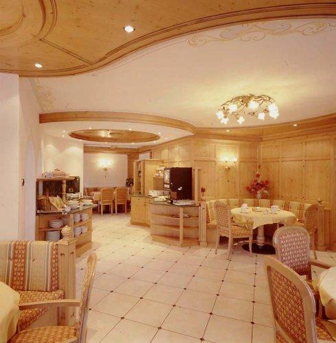 Hotel terme antico bagno antico bagno trento prenota for Subito it trento arredamento