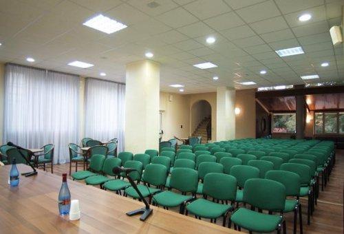 Hotel Lorica Con Piscina