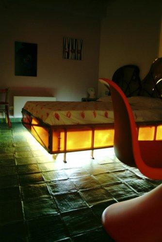 Suite d 39 autore piazza armenina enna r servez for Chambre 327 distribution