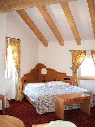 Hotel stella delle alpi ronzone trento prenota subito for Subito it trento arredamento