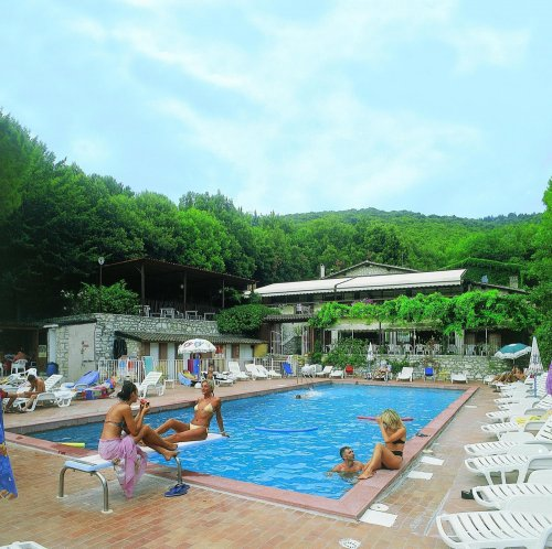 Conca del sole ellera umbra perugia book now for Garden pool book