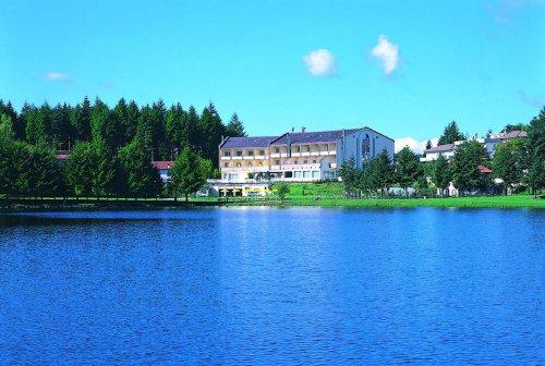 Hotel miramonti acquapartita forl cesena reserva for Cabine al lago della piscina di joe