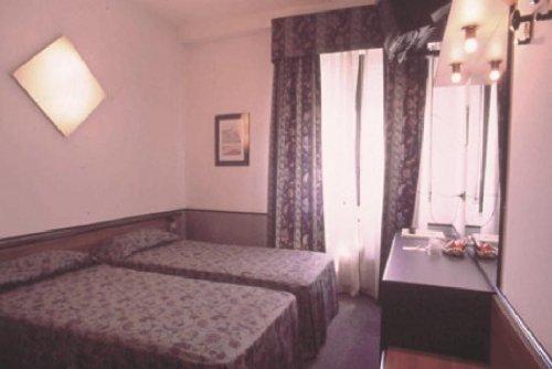 Nova hotel reggio nell 39 emilia reggio emilia prenota for Subito it reggio emilia arredamento