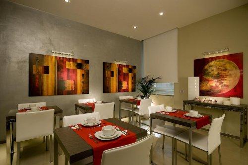 Hotel Roma Cerca Receptionist