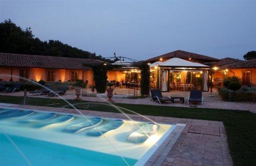 Hotel il piccolo castello monteriggioni siena - Hotel il giardino siena ...