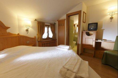 Hotel royal cortina d 39 ampezzo belluno prenota subito for Hotel meuble royal cortina d ampezzo
