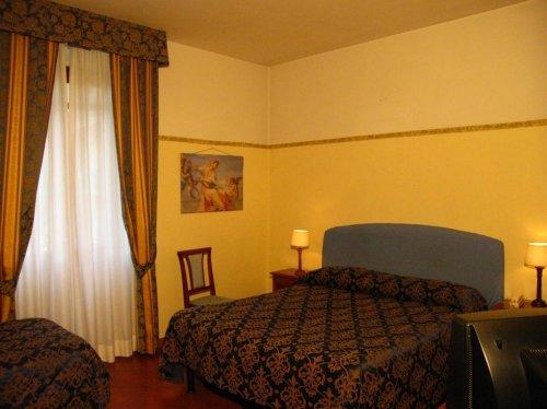 hotel bologna firenze prenota subito. Black Bedroom Furniture Sets. Home Design Ideas