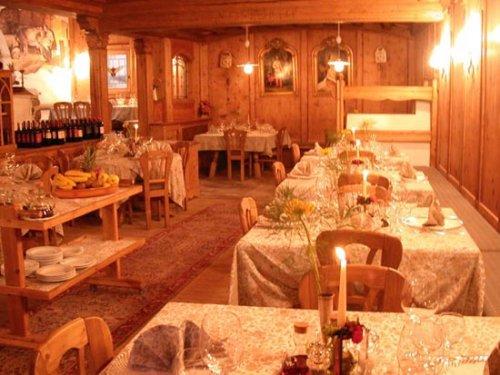 Hotel la stua cavalese trento prenota subito for Subito it trento arredamento
